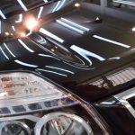 2018/12 日産・エクストレイル(ダイヤモンドブラック) この度中古でエクストレイルを購入され外装のコーティングでのご入庫でした。お車は納車前に磨かれたと思えるコンパウンドの入り込みやルーフのスケール痕がむごかったですが比較的軽症、今回は予算もあることからライトポリッシュで下地処理研磨を行いPRO PCX-V110ガラスコーティングを施工させて頂きました。エクストレイルはスクラッチシールドと言われる特殊な復元塗装をされており研磨は比較的難しいとされてます。よく耳にするのが熱を掛けると駄目だとか言われておりますが、確かにある意味ではそうなのですが、どちらかと言うとあまり経験のない方がそのような表現をされるケースが目に余ります。  技術力の無さをネットで調べた程度の知識で誤解を招く表現は芳しくありません。PRO PCX-V110ガラスコーティング 札幌市清田区よりご利用ありがとうございました。