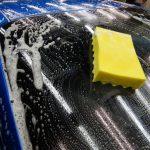 洗車グローブ・ムートン・マイクロファイバータオルでの洗浄はお控えください。