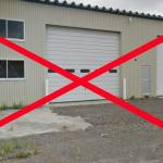 【施工環境】コーティング専門店以外ではカーディーラーや修理工場のコーティングがありますが、同じピット内でオイル交換や防錆塗装、ハード面の作業をしている環境ではチリ、ホコリ、オイルミストが舞い、ホコリを巻き込み余計に傷を増やす原因にもなりますので施工環境としては疑問があります。