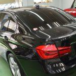 2019/7 BMW・320i 丸見えの室内はプライバシーは元より紫外線・赤外線もそのまま侵入してきてしまいます。  320iへ可視光線透過率20%のスモークフィルムを施工レギュラースモーク 札幌市豊平区よりご利用ありがとうございました。